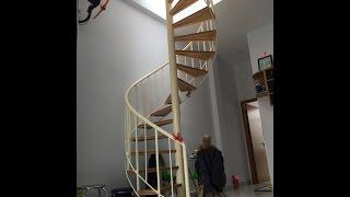 CHITHACONST - Cầu thang xoắn đẹp trong nhà ở gia đình là điểm nhấn và là cấu kiện trang trí rất đẹp