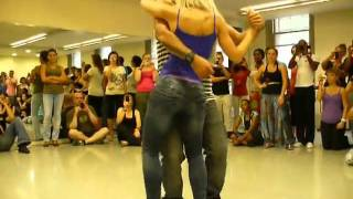 Очень красивый танец как гипноз