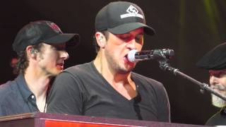 luke bryan play it again nashville tn 10 19 13