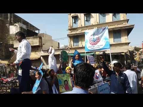पोदार इंटरनेशनल स्कूल खंडवा द्वारा जल बचाव पर खंडवा शहर में रैली निकली गई थी जिसमे सिद्ध जैन  किसान