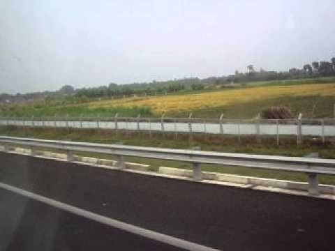 Đường cao tốc về miền tây.....
