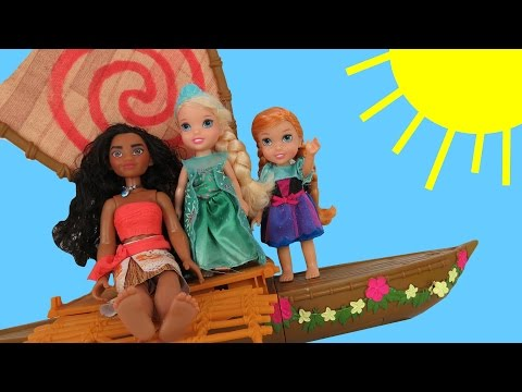 MOANA meets queen ELSA !  Anna & Elsa toddlers SAIL on Moana's boat - Ocean - Waves