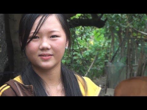 Beautiful Hmong Girls-Kab Lia Lauj Nkauj Hmoob Moos Kham