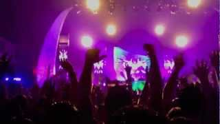 Life In Color/The END Tour: Los Angeles - Countdown to Paint!  11/17/12
