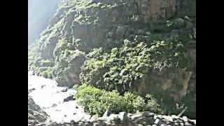 Continuando el camino a Huanza.