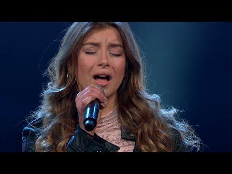 Kishti i tårar under Hanna Ferms solosång i Idol 2017 - Idol Sverige (TV4)