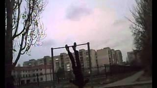 Первое видео на турнике (14 лет)(строго не судите) я тут! http://vkontakte.ru/denis_nk., 2011-12-24T07:34:13.000Z)