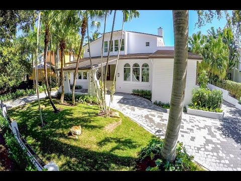 Magnificent Waterfront Cocoplum Estate in Coral Gables, Florida