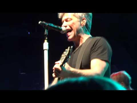 Jon Bon Jovi & KOS: I Wish Everyday Could Be Like Christmas - Las Vegas (Dec 9th 2014) mp3