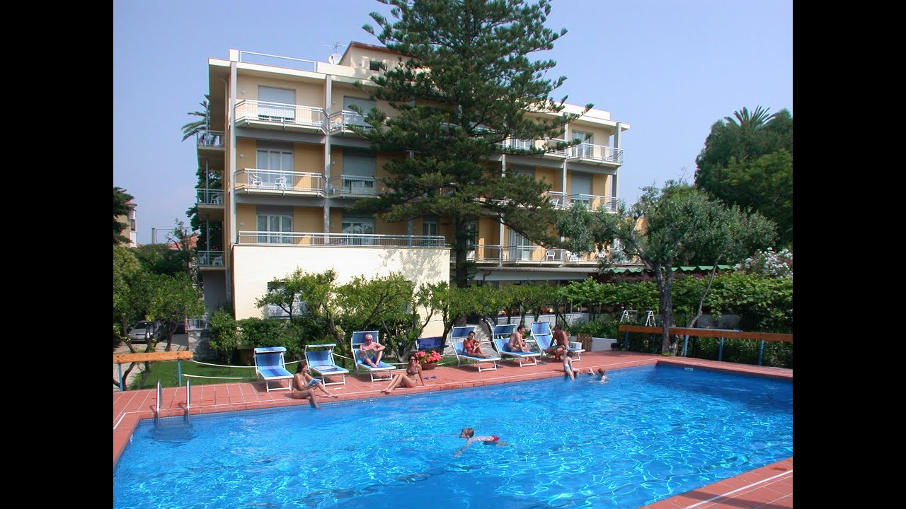 Hotel In Liguria Con Piscina