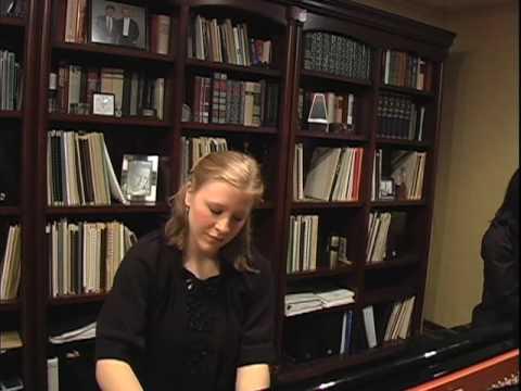 Amy Brinkman-Davis playing Schumann's Piano Concerto