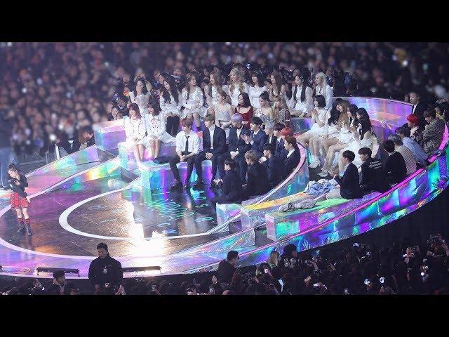 181201 BLACKPINK, BTS, WannaOne Reaction to Na Ha Eun (나하은 무대보는 방탄소년단 블랙핑크 워너원) 4K 직캠 by 비몽