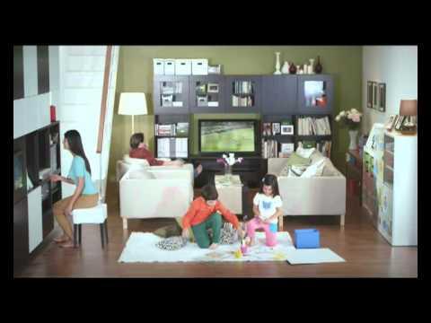 Ruang Tamu Yang Kemas Seperti Rumah Anak Patung