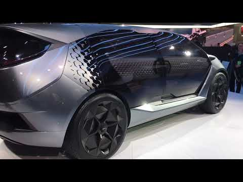 detroit-auto-show:-chinese-concept-vehicle-with-glass-doors