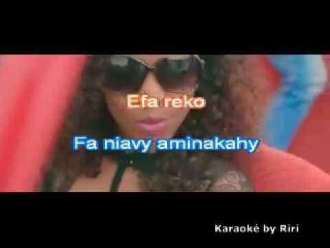 Atsika tsy mitovy - Rijade (Karaoké by Riri)