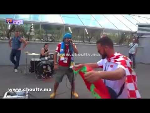بالفيديو..مغربي خالق السعادة فروسيا مع جميع الجماهير الكروية