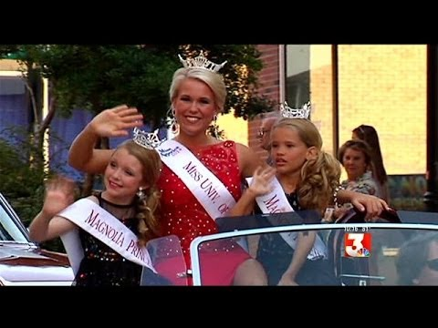 Miss Mississippi 2014: Parade of Contestants