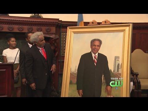 Former Mayor John Street Has Portrait Unveiled In City Hall