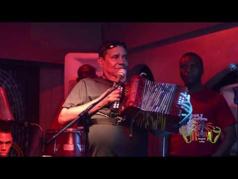 El Sucio - El Maestro Pedron Y Su Conjunto Tipico - Rumba Deluxe Bar And Lounge Santo Domingo