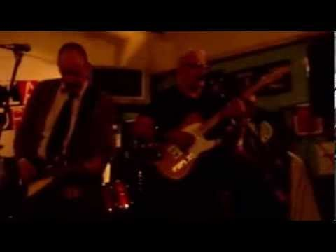 Billy Watson.TV - The Media Whores - Grangemouth Tavern 1