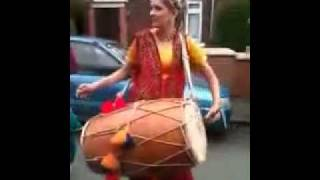 DESI GIRL PLAYING MAST DHOL