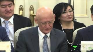 Как Нурсултан Назарбаев вызывал членов Правительства к микрофону