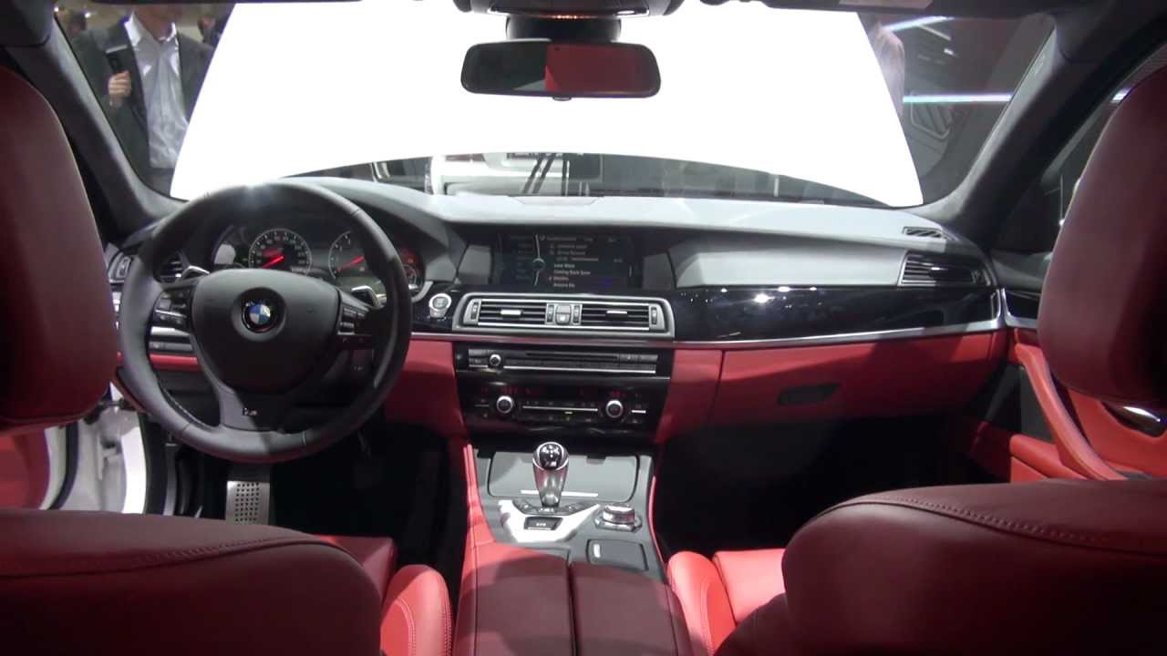 rear seat tryout bmw m5 f10 alpine white interiour sakhir. Black Bedroom Furniture Sets. Home Design Ideas