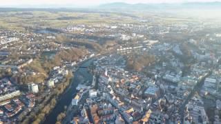Kempten (Allgäu) - Sicht auf Stadt und Berge - Luftbildaufnahme