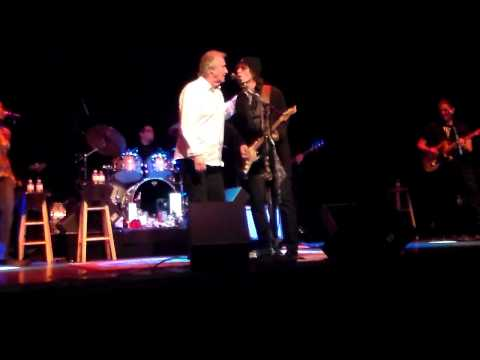 Michael Grimm with Bill Medley Hold On I'm Coming at Red Rock 2/2/13