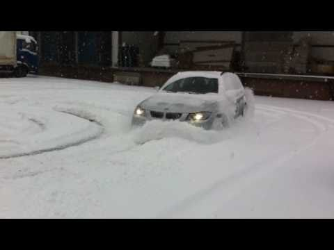 BMW 33BMW 330d xDrive 295 HP snow