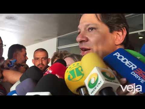 Candidatura de Lula: Fernando Haddad e Gleisi Hoffmann comemoram a inscrição