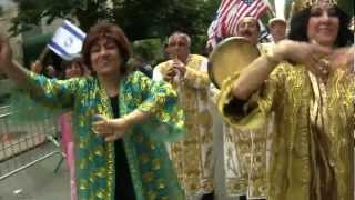 Bukharian Jews march to music and dance in Celebrate Israel Parade 132915