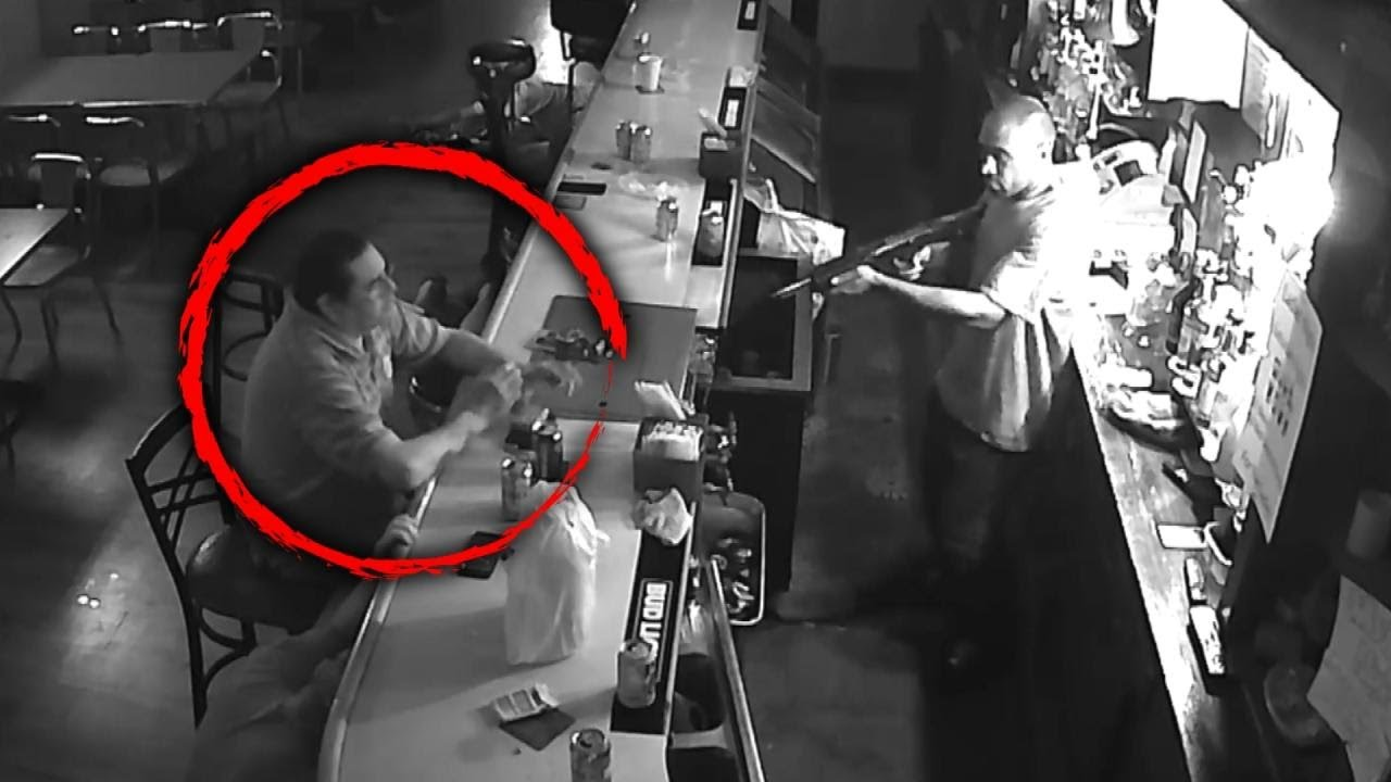 Download 'World's Chillest Man' Asked Robbery Suspect for a Beer