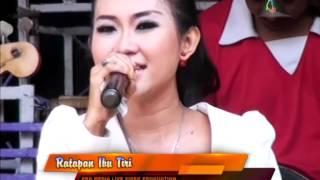 Video Ratapan Ibu Tiri - Evie Exel - Nada Ayu Dangdut Pantura download MP3, 3GP, MP4, WEBM, AVI, FLV November 2018