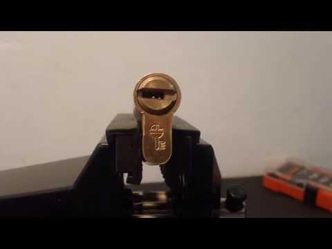 Lockpicking Ezcurra DS15