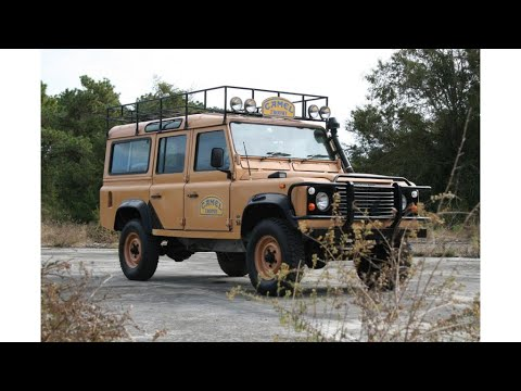 camel trophy replica 1987 Land Rover Defender offroad (photo slideshow)