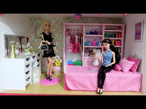 Tour pelo Quarto da Barbie (com móveis que ensinamos no Canal @artes da te)