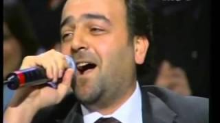 سامر المصري يغني
