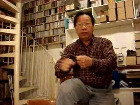 Tran Quang Hai plays the spoons