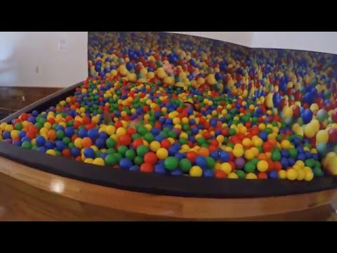 USA #31: At Google you can feel again like a kid - Ball Pit at Google office