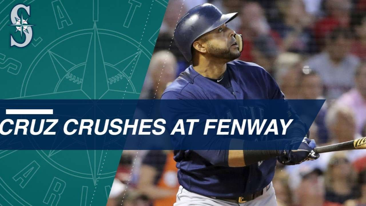 Cruz goes 4-for-4 with 2 HRs, 7 RBIs at Fenway Park