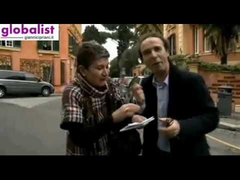 Roberto Benigni: spot per Raiperunanotte di Michele Santoro