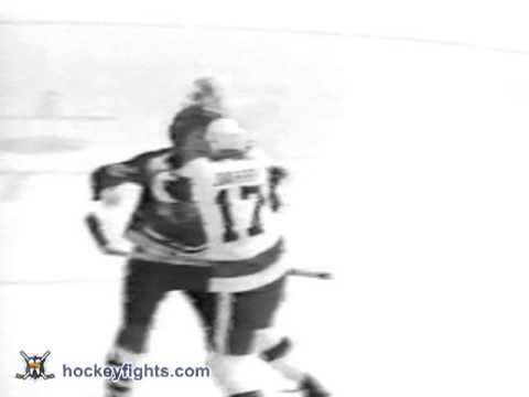 Keith Magnuson vs Pierre Jarry Mar 3, 1974