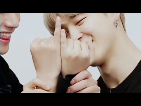 Taehyung and Jimin's finger comparison (VMIN)