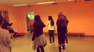 Kulturprofilen åk 8-9 dansar med Marielle Aranda.