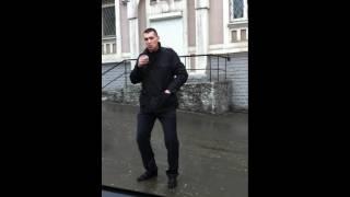 торчок завис и курит не подкуреную сигу))))