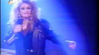 Bonnie Tyler   Sally Comes Around Live On The German TV Channel DW