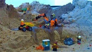 LEGO CITY GOLD MINING - DAM BREACH VIDEO