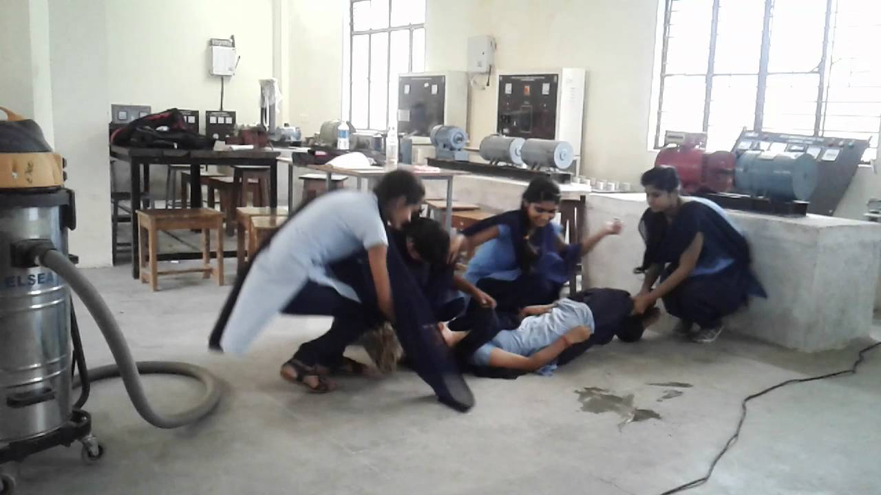 BASIC FIRST AID ELECTRICIAN SHOP [HINDI] - YouTube