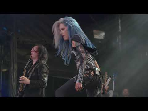 ARCH ENEMY - Avalanche - Bloodstock 2017